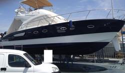 Nettoyage yacht en port à sec