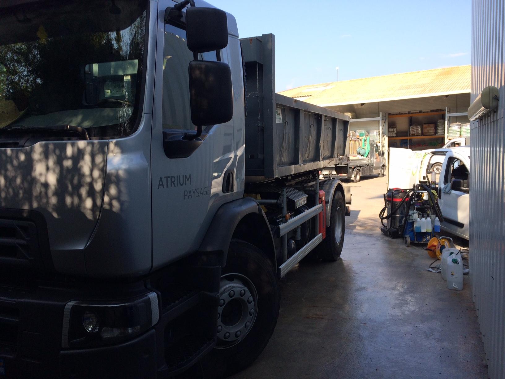 Nettoyage PL sur site, en entreprise