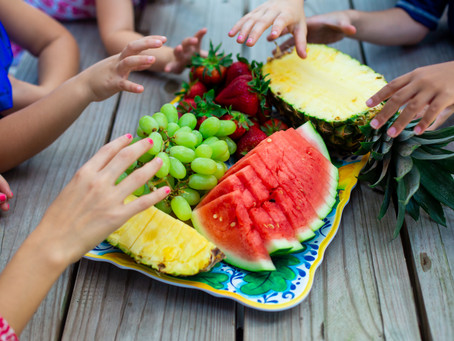 SUMMER FRUIT PICNIC PARTY