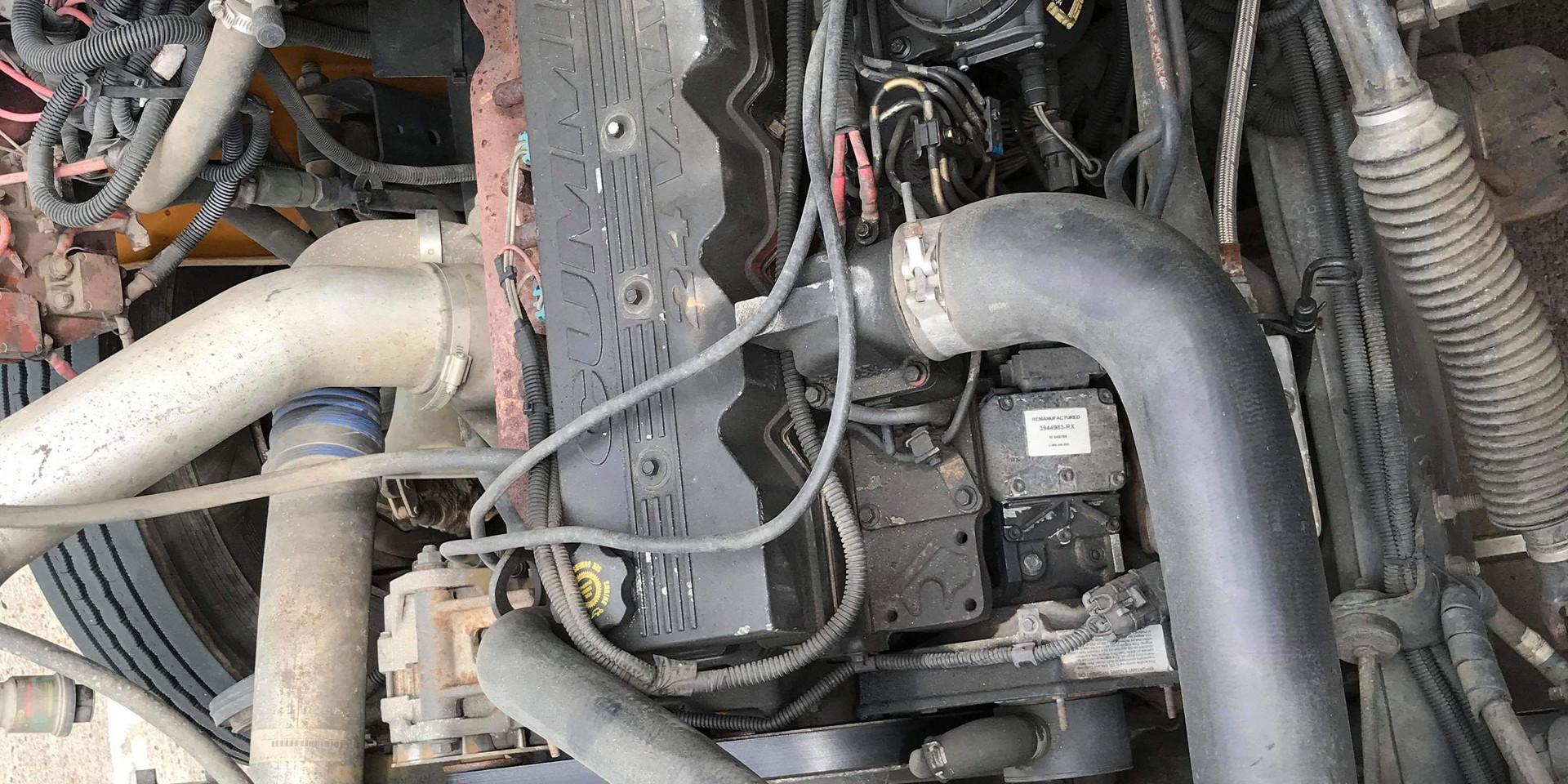 2002 Thomas Full Size CE - Engine