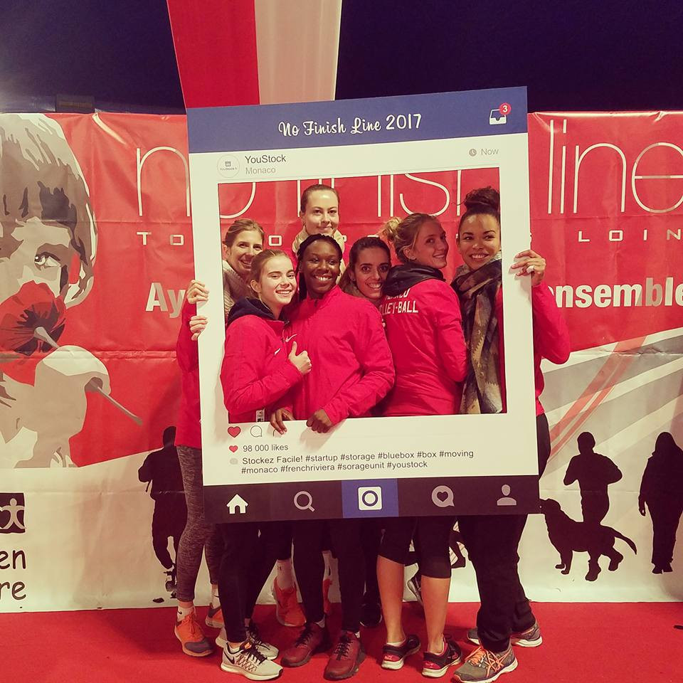 Ce soir les volleyeuses ont participé à la No Finish Line Monaco. Pour rappel : une course caritative sur un circuit de 1400m, ouvert 24h/24 durant 8 jours en faveur d'enfants défavorisés ou malades.  ❤️1km couru = 1€ reversé