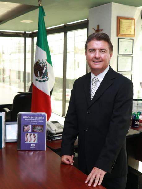 Dr. Víctor Hugo Toledo Minutti