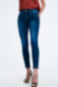 high-rise-premium-jeans-in-dark-wash-blu