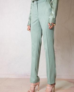 pantalone-in-tessuto-gessato.jpg