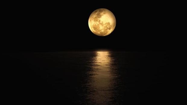 full-moon-4781350_1920-kZpE--620x349@abc