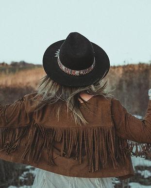 photographe-lausanne-lifestyle-photomodèle-shooting-bohème-photographehispter-séancephoto-extérieur