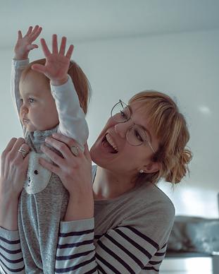 shooting-bébé-grossesse-photographe-famille-Lausanne-nouveauxnés