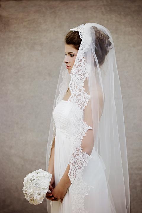 lace wedding veil