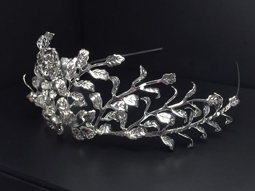 Reproduction of Myrtle tiara GD1721
