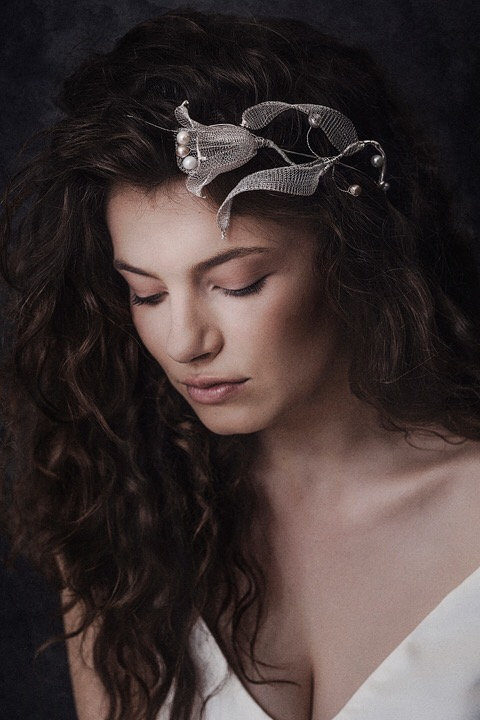 Blakely Silver Tulip Wirelace Bridal Crown GD180130