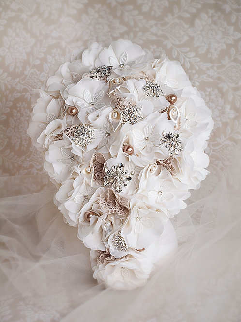 brooch bouquet dropshape