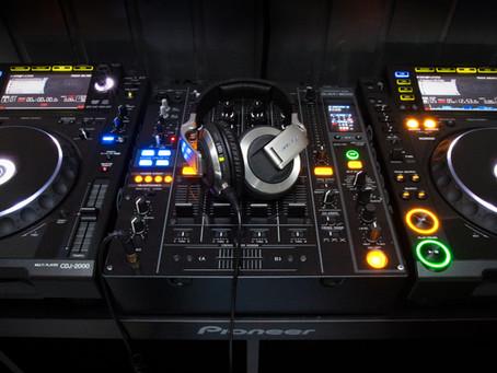 DJ TEJ tira algumas dúvidas musicais!