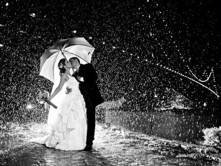 O que fazer quando chove no seu casamento ao ar livre?