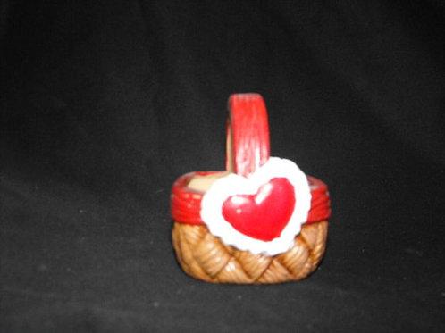Small heart basket