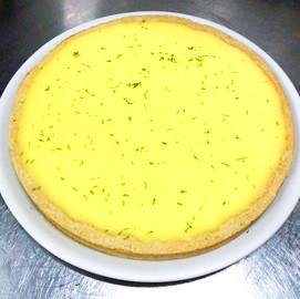 Tarta de lima con albahaca