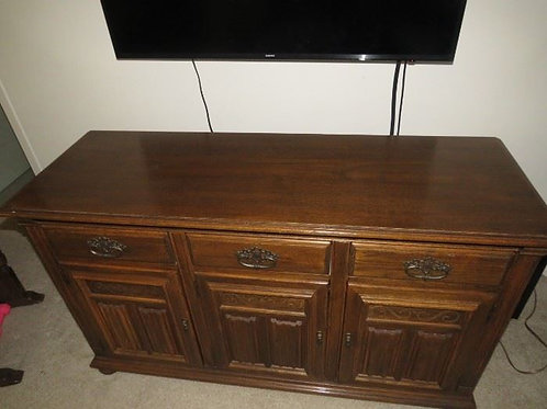 """Ethan Allen Royal Charter Collection, Solid Oak, credenza VG 54"""" W x 19""""D x 32""""T"""