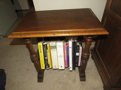 """Ethan Allen Solid Oak Royal Charter Collection VG cond. 22"""" W x 22"""" T x 15""""D"""