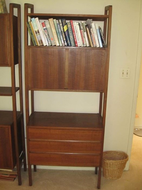 Free Standing Walnut MCM shelving display unit VG condition