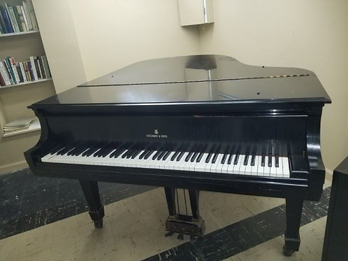 "Steinway Baby Grand Y1203 ""M"" 319016, the finish on this piano has a lot of wear"