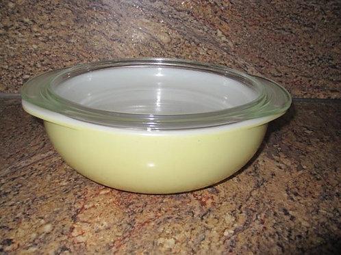 Yellow Pyrex 2.5Q casserole