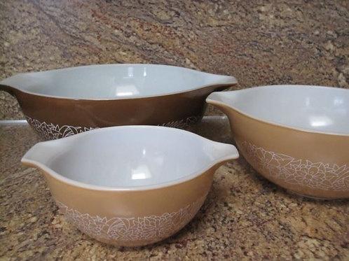 Vintage Woodland Pyrex mixing bowls