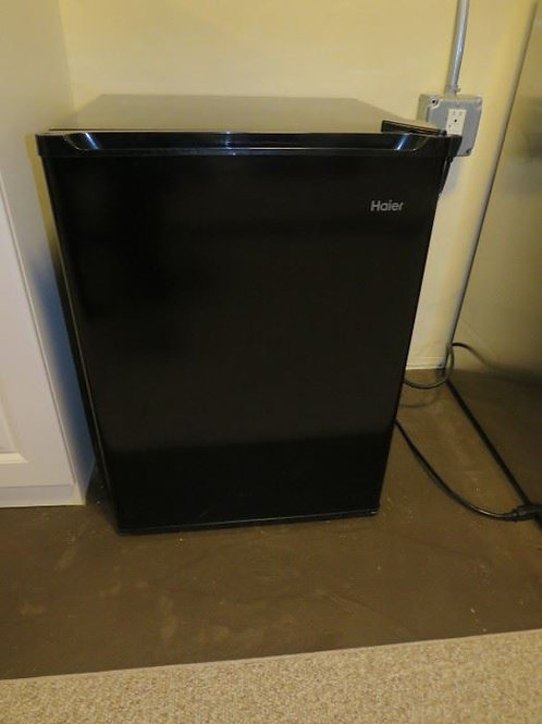 Haier apartment frig, excellent condition