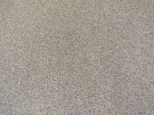5.5' x 11' indoor outdoor carpet like new
