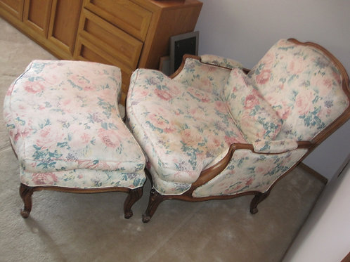 Henredon chair & ottoman excellent condition (for both)