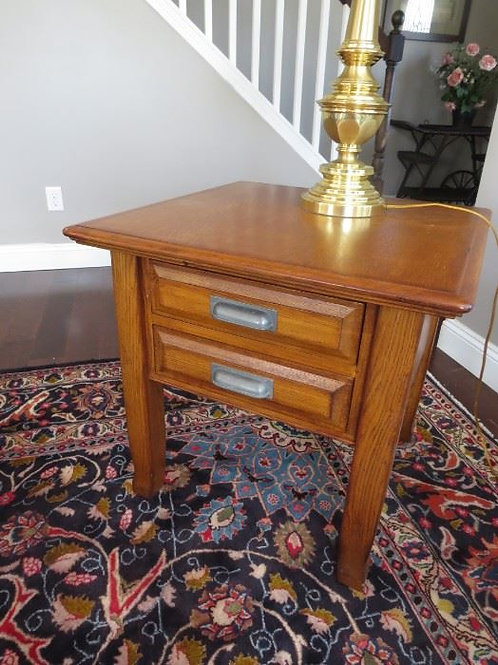 "Oak side table 26x26x26"", VG condition"