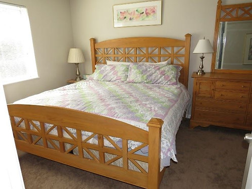 Lexington Oak King size bed, Excellent condition