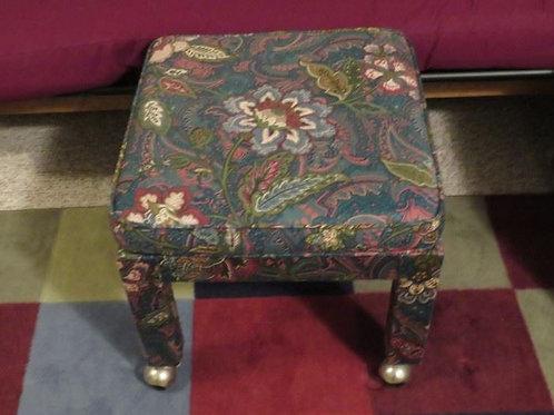 Small ottoman seat