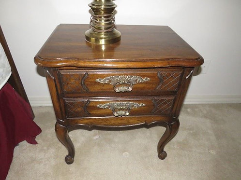 Thomasville bed side table, VG condition