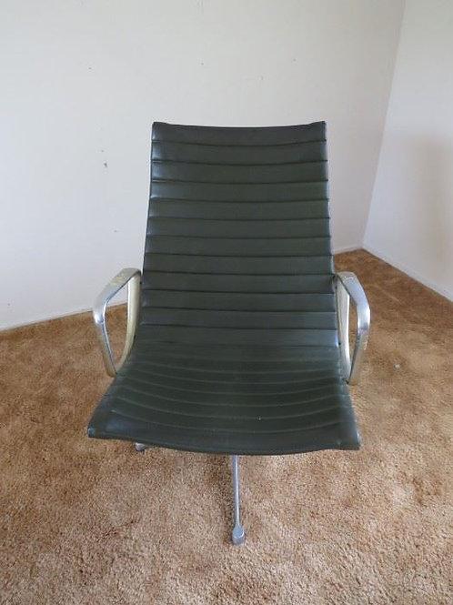 Beautiful Black/Green Herman Miller Arm Chair