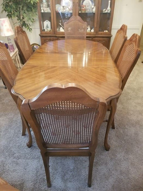 "Beautiful Bernhardt dining table 6 chairs 77"" with leaf"