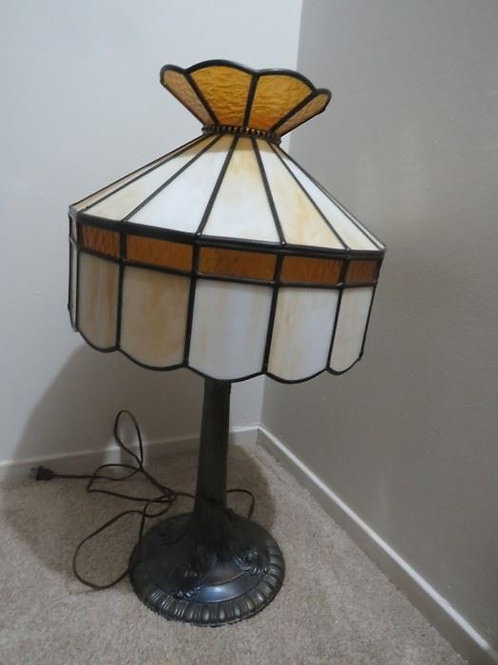 "24"" stained glass lamp, VG condition"