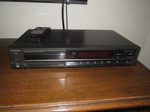 Technic SL p230 compact disc player