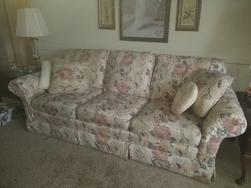 Sofa, Excellent condition, 7'