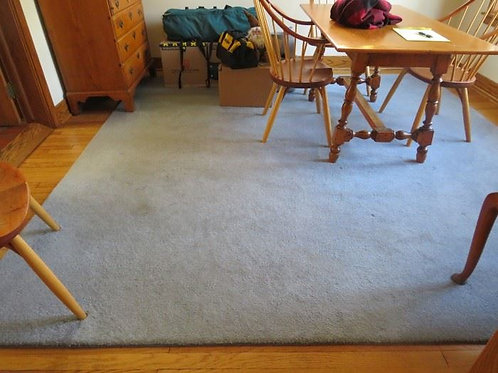 New Gray wool blend rug, 10 x 10' excellent condition