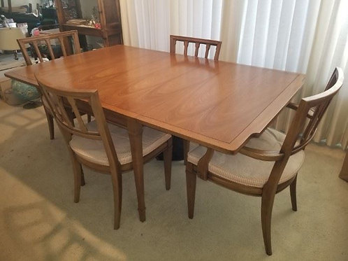 Drexel Heritage Dining Room Table drop leaf with 4 chairs