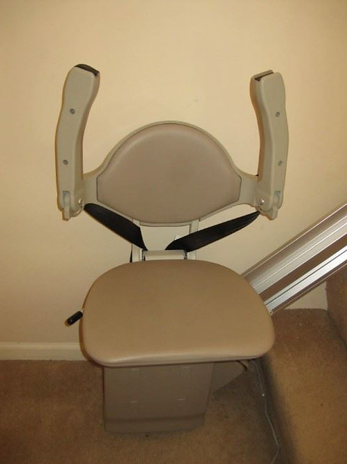 6 step, Bruno chair lift, excellent condition 2 AVAILABLE