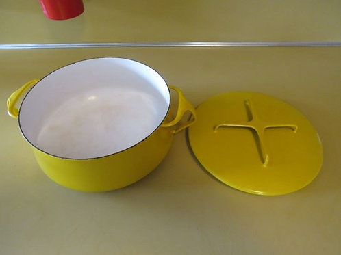 Dansk Yellow 3 Quart Casserole Dish