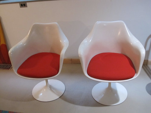 2 Knoll Tulip chairs