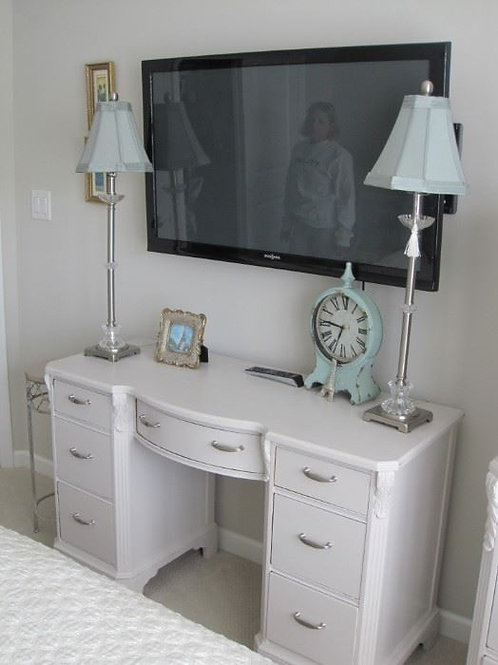 Shabby Chic painted desk vanity