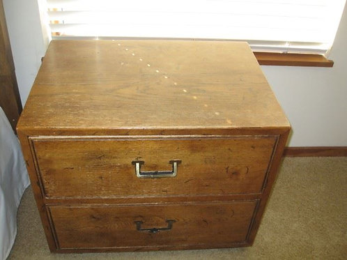 Henredon bedside table, needs a little refinishing on top but quality furniture!