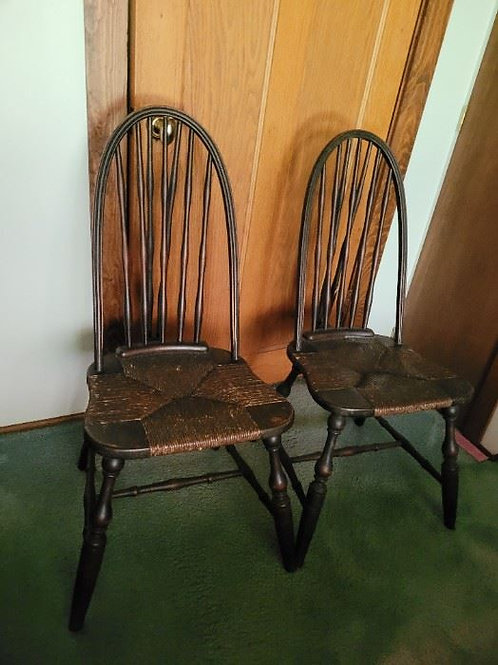 Late 18th Century Pair of Windsor Rush Seat Chairs VG condition