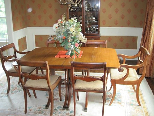 Mahogany Dining Room Table & Chairs
