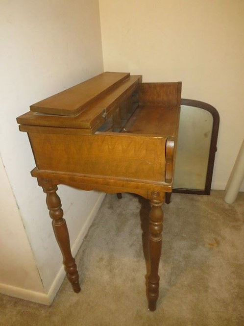 Writing desk antique, perfect for painting