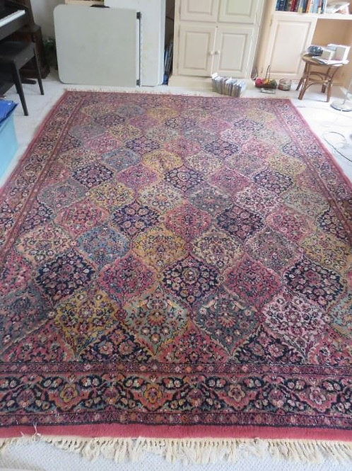 8 x 10 Wool rug, VG condition