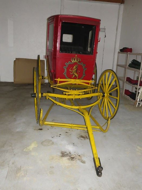 Antique Stroh's Horse & Buggy Carriage