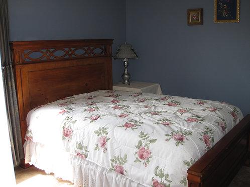 Queen bedroom set VG condition